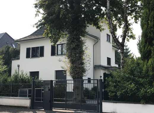 TOPLAGE Liebevoll saniertes Stadthaus mit sieben Zimmern in Rüngsdorf