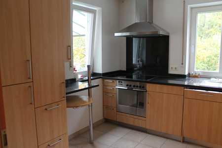 4-Zimmer-Wohnung mit Einbauküche und Blick ins Grüne in Göggingen