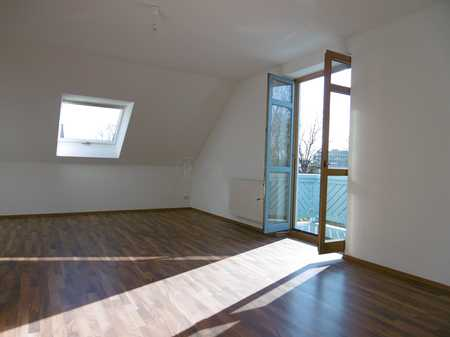 Großzügige Dachgeschoss Wohnung mit Charme in Unterschleißheim