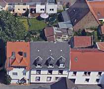 Liebevoll renovierte 1 5-Zimmer-DG-Wohnung im
