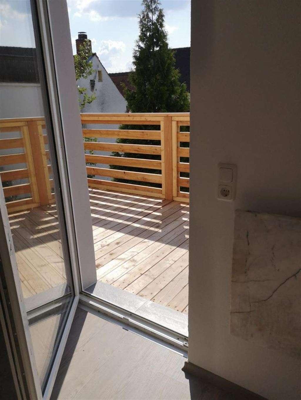 Top-Renovierte 2-Zimmer-Wohnung mit großem Balkon!