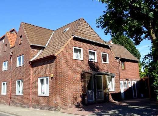 Zweifamilienhaus (leerstehend) mit Garage in guter, zentraler Lage in Brunsbüttel