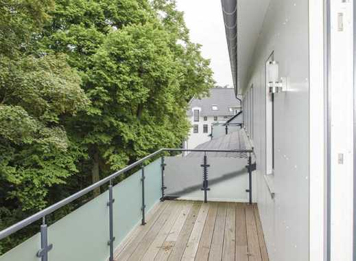 Gehoben ausgestattete DG-Wohnung mit großem Balkon und Blick zum Alsterlauf