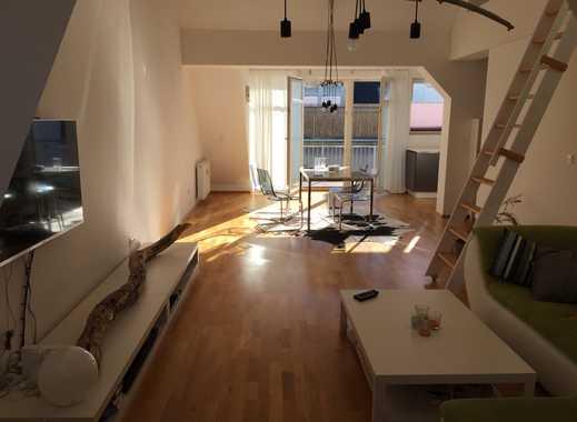 Gepflegte 2,5-Zimmer-DG-Wohnung mit Balkon in Traunstein