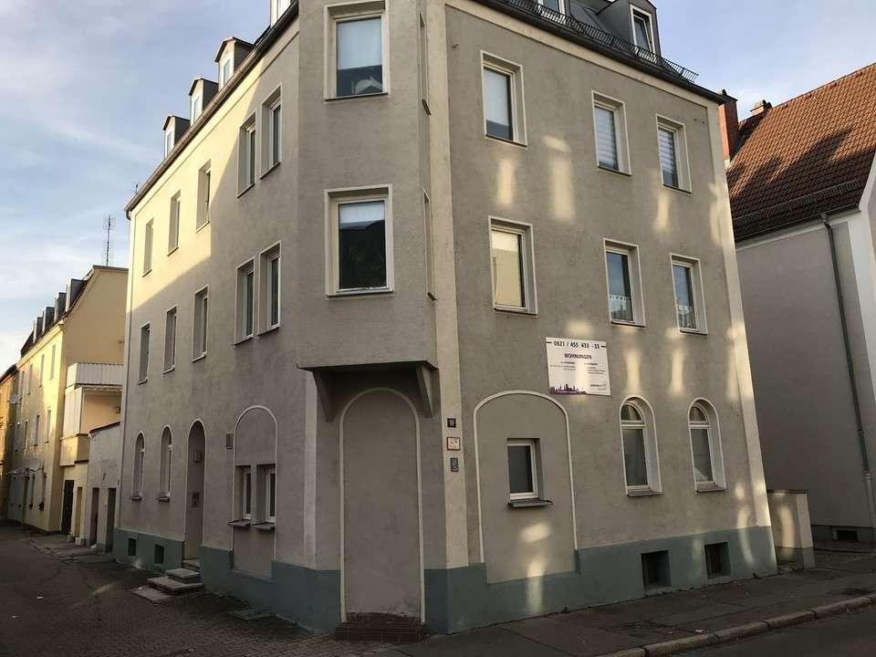 Schöne 1,5 ZKB in Lechhausen zentral am Schlössle in Lechhausen (Augsburg)