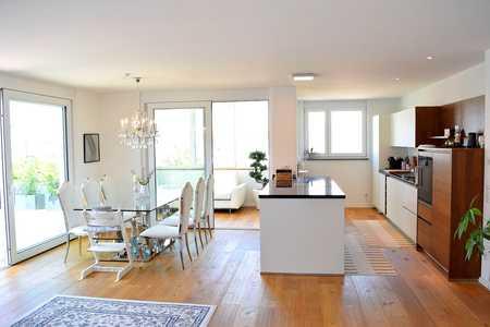 Luxuriöse - Barrierefreie 4-Zimmer-Penthouse-Wohnung vor den Toren von Augsburg in Bobingen