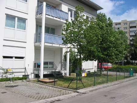 Familienfreundliche 4 ZKB-Wohnung mit Balkon und 2 Bäder in Haunstetten (Augsburg)