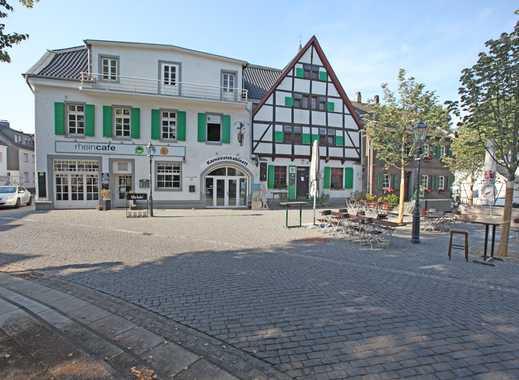 Denkmalgeschütztes Wohn- und Geschäftshaus mit freier Eigentümerwohnung in Bestlage von Monheim