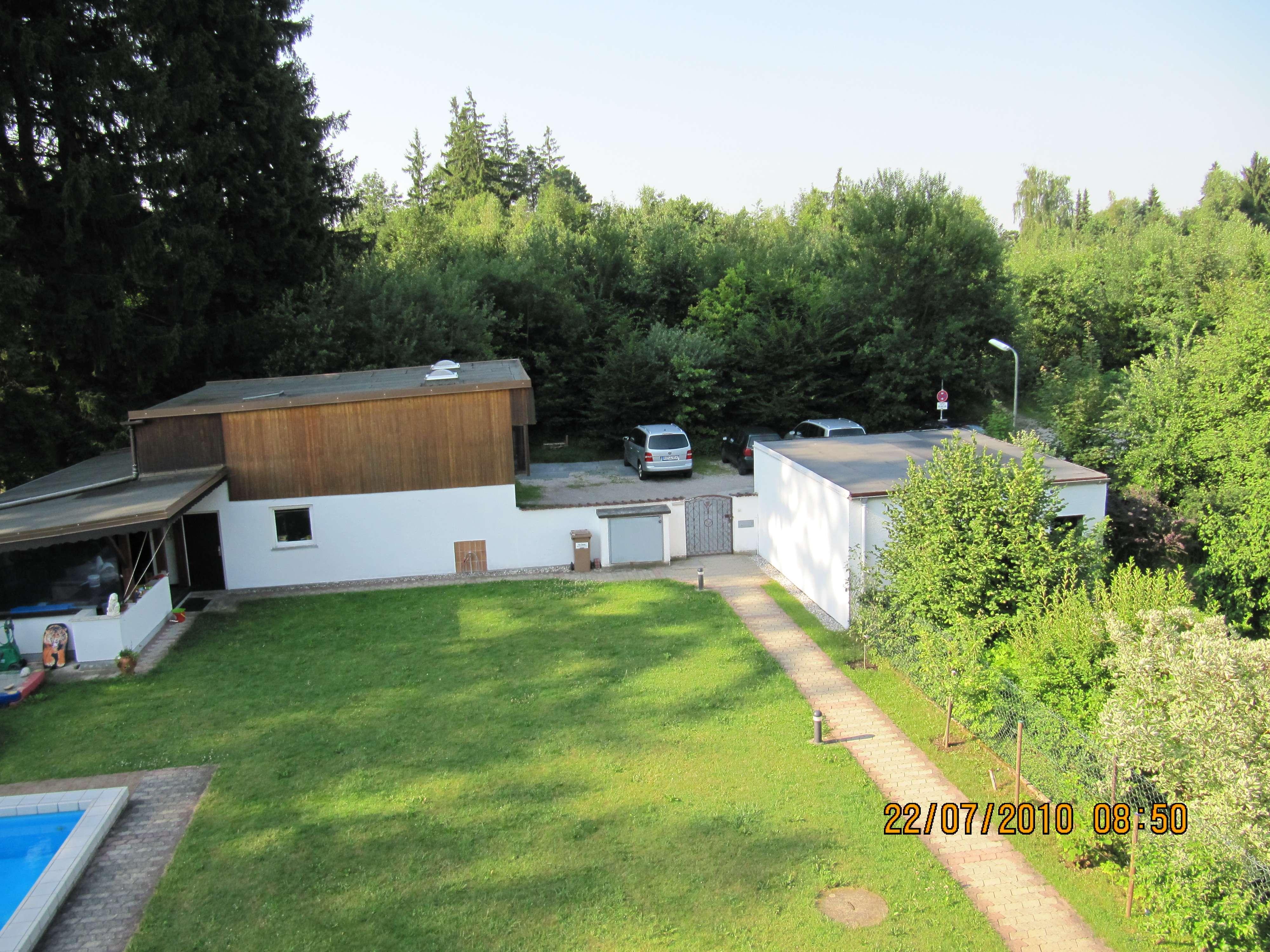 Wohnen am Wald: großzügige 2,5 Zimmerwohnung mit großem Balkon in Perlach (München)