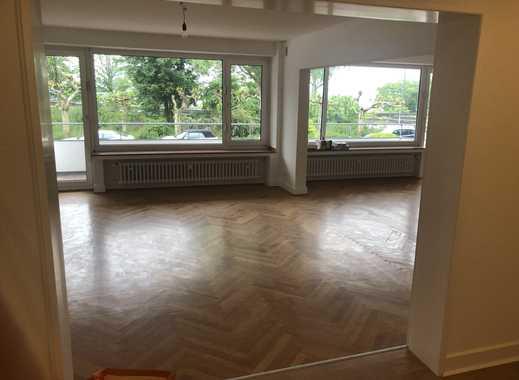 Rheinallee, exklusive, geräumige   3,5-Zimmer-Wohnung mit Balkon und EBK in Düsseldorf