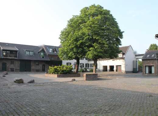 Erstbezug Doppelhaus in denkmalgeschützter Hofanlage, westlicher Kölner Stadtrand nahe Widdersdorf