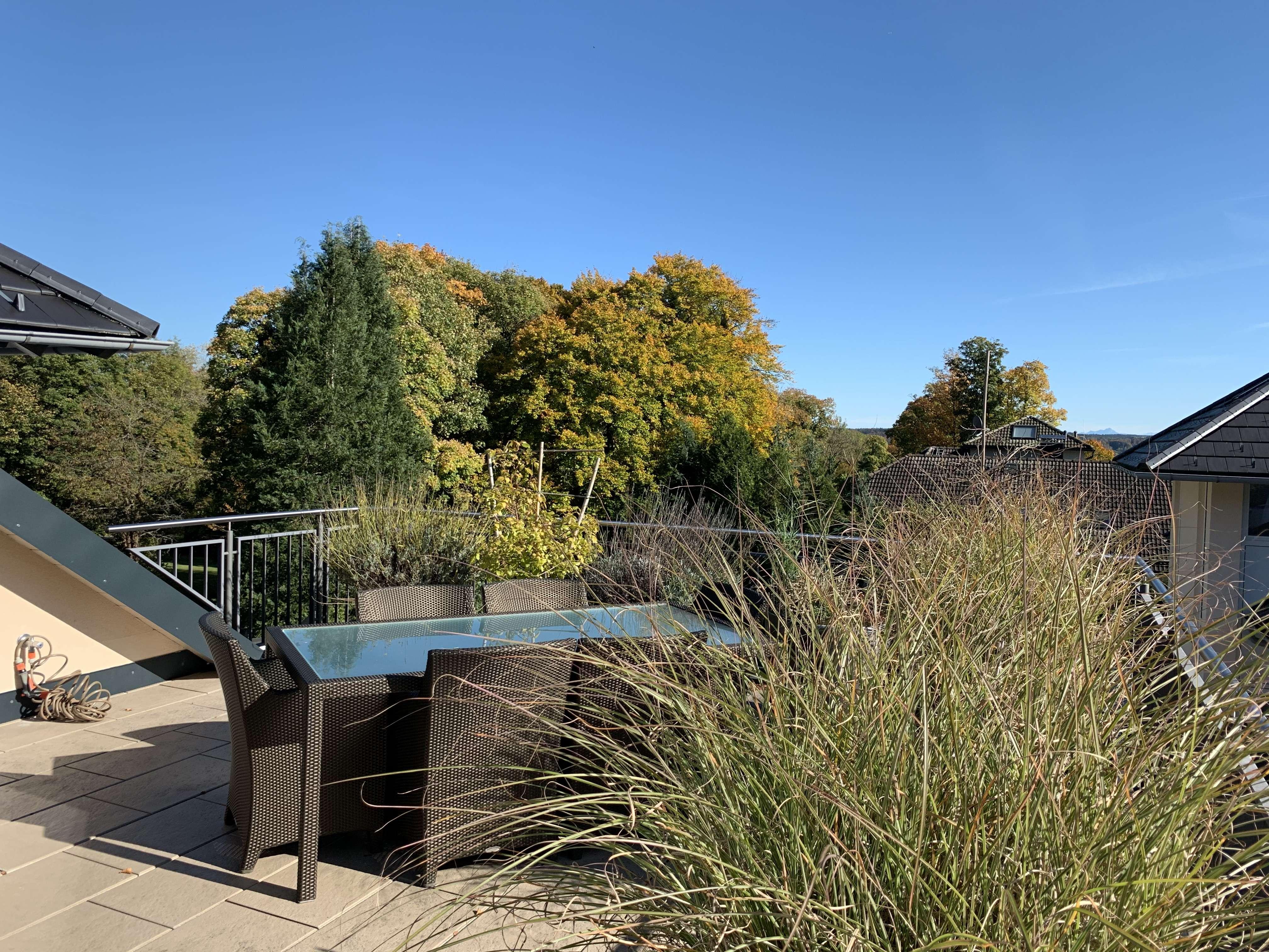 Wunderschöne Dachterrassen-Maisonette Wohnung mit Berg- und Seeblick in