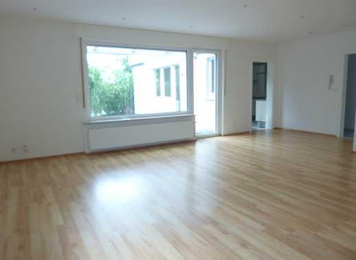 Gemütliche Wohnung, 4 ZKB mit Garage, Stellplatz u.v.m.
