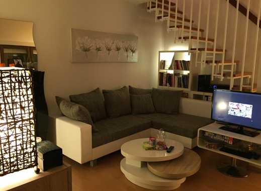 Helle und moderne, vollmöblierte Dachgeschoss-Maisonettewohnung in Stuttgart Vaihingen mit TG