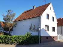 Älteres Einfamilienhaus mit herrlichem Gartengrundstück