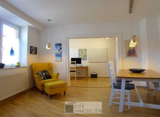 Schöne Altbauwohnung mit Einbauküche und Parkett in Veilhof