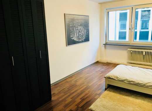 Möbliertes, helles und großes WG Zimmer central am HBF zu vermieten