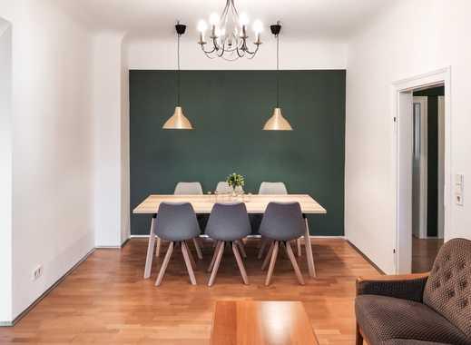 Möblierte, frisch renovierte 3-Zimmer-Wohnung mit hohen Decken, Balkon und idealer Lage
