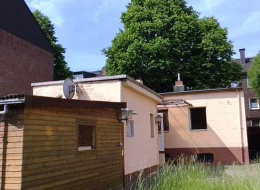 ***Bungalow mit Sanierungsbedarf auf 438 m² gr. Grundstück***