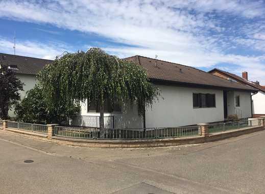 Schönes, freistehendes Haus mit sieben Zimmern in Rhein-Pfalz-Kreis, Neuhofen