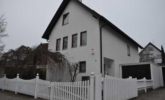 In ruhigem und sehr gepflegtem Umfeld von KA/Knielingen! Einfamilienhaus in massiver Bauweise