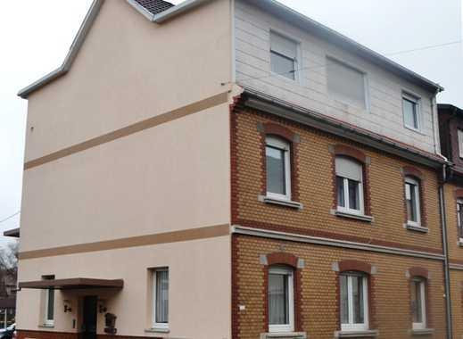 3-Familienhaus bei Heidelberg mit Garten, 2 Carports, 1 Garage. Eine Wohnung ist frei.