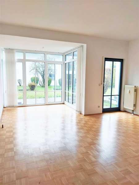 Helle 2-Zimmer EG-Wohlfühlwohnung mit Garten in Top Lage! in Stephanskirchen