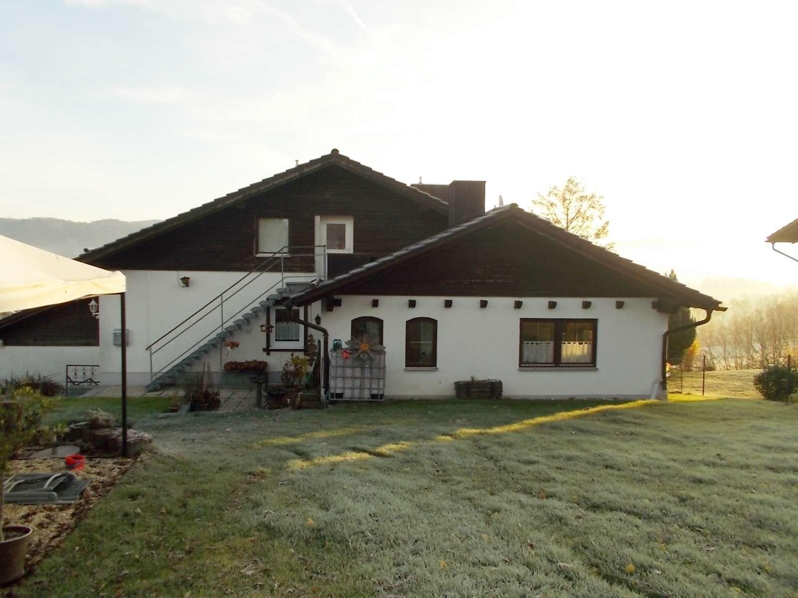 Schöne, großzügige 4-Zimmer-Wohnung mit Balkon und Gartennutzung in Schönberg (Freyung-Grafenau)