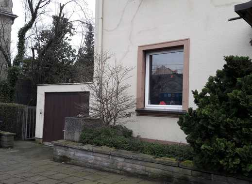 Ruhige Souterrain-Wohnung für Single mit viel Grün in Köln-Riehl