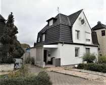 Sanierte Doppelhaushälfte mit möglicher Einliegerwohnung
