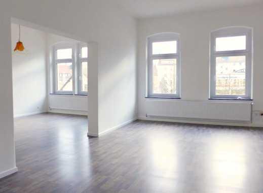 Helle, geräumige und vollständig renovierte 4-Zimmer-Wohnung mit Balkon in Kulmbach