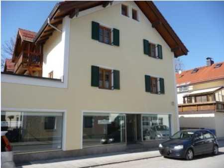 SCHÖN + RUHIG - 3 Zimmer-Wohnung mitten in Hausham - mit großem Balkon in Hausham