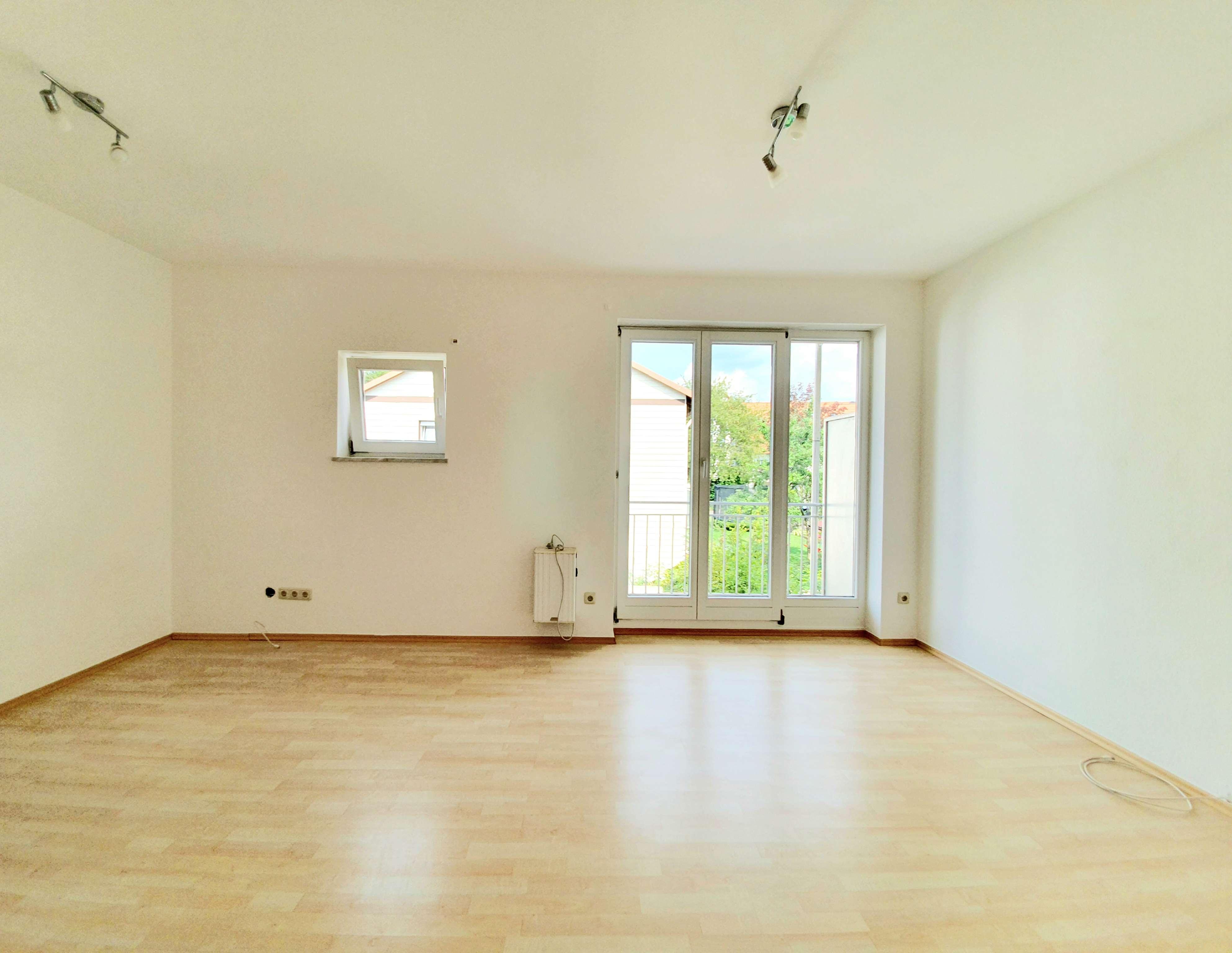 Schöne 1- Zimmer Wohnung in ruhiger Wohnanlage  mit Balkon in Neufahrn bei Freising