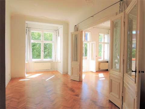 Traumhafte 4-Zi-Wohnung in bester Lage nahe Stuttgarter Platz