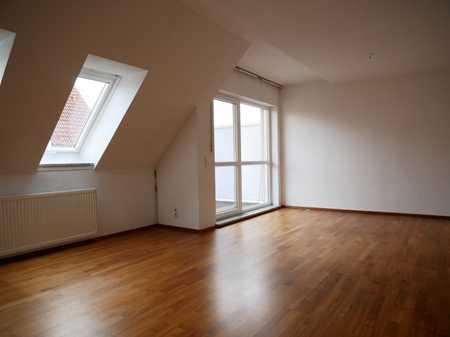 Wohnen auf 2 Etagen - 4,5 Zimmer Maisonette-Wohnung in Ergolding