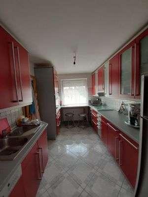 Hochwertige 3-Zimmer-Wohnung mit Balkon und EBK in Fürth