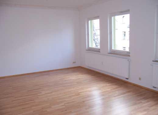 Exklusive 2 Zimmer Wohnung auf 85 m² in N-Kleinweidenmühle mit Balkon, EBK ohne Ablöse uvm.!