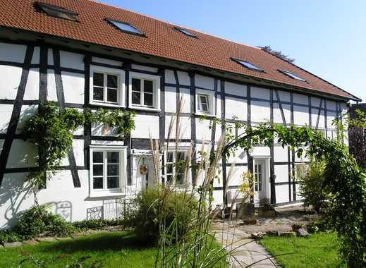 Traumhaftes Wohnen im historischen Fachwerkgehöft mit Balkon