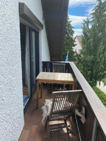 Hausverwaltung Angermair! 2 Zimmer Dachgeschoßwohnung mit Küche und Balkon in Parsdorf in Vaterstetten