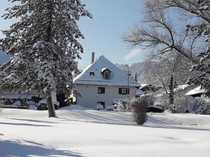Romantische renovierte 2 5-Zimmer-Dachgeschosswohnung mit