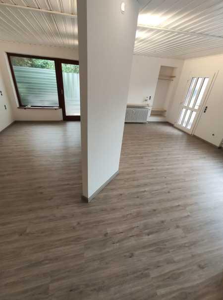 HÜBSCHE großzügige und komplett renovierte 1-Zimmer-Wohnung,ca.38m²,EG,TRUDERING-Zehntfeldstraße in Trudering (München)