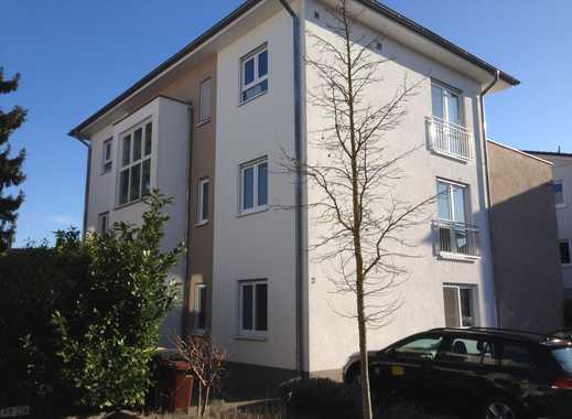 Lichtdurchflutete, moderne Wohnung frisch renoviert mit Balkon und Einbauküche