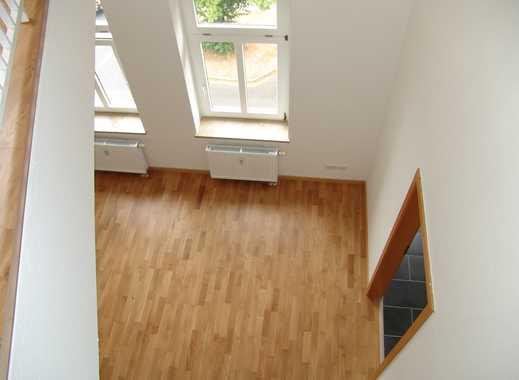 FREI! 2-Zimmer-DG-Maisonette-Wohnung mit Abstellraum und Wannenbad