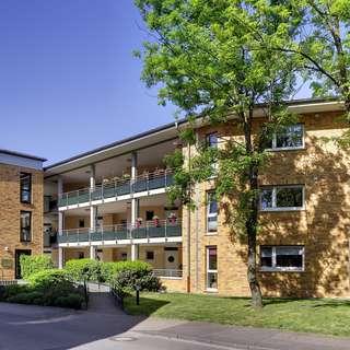 Wohnen am Kanal! Moderne 3,5-Zimmerwohnung mit Balkon und Fahrstuhl! 90m²