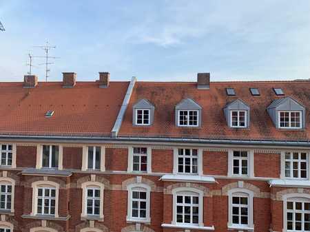 Top saniert: Sonnige 4-Zimmer-Altbauwohnung Maxvorstadt! in Maxvorstadt (München)