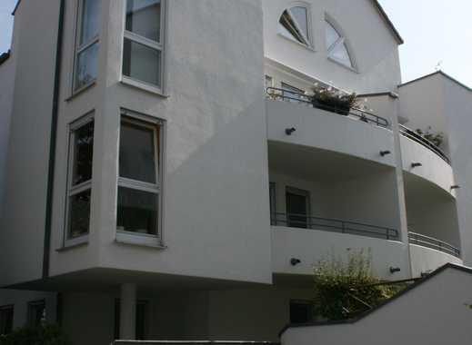 Geräumige und gepflegte 1,5 -Zimmer-Wohnung mit Terrasse und EBK in Stuttgart