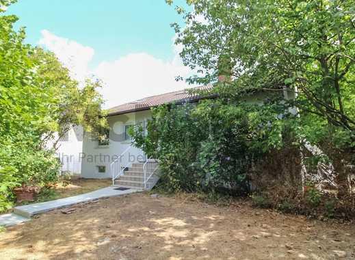Viel Platz für Ihre Familie! Freistehendes EFH mit großem Gartengrundstück und 2 Terrassen!