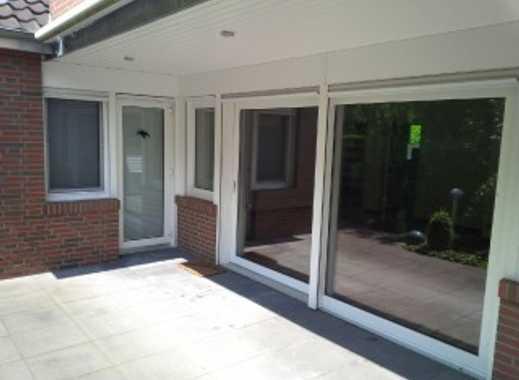 Umzug im Herbst vor dem neuen Winter? EG-Wohnung im Doppelhaus mit Terrasse und Garten, Einbauküche!