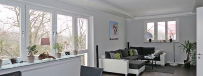 Exklusive 3 Zimmer-DG-Wohnung mit EBK, Balkon und Stellplatz - Südstadt/Dichterviertel
