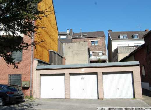 Baugrund für ein Ein- bis Zwei-Fam.-Haus (bis 180 m2 Wfl.) mit 3-Garagen. Grdst.